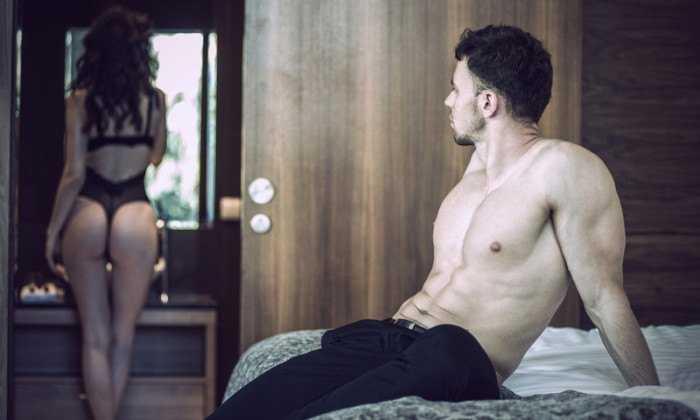 Nghệ thuật yêu trên giường khiến chồng say mê không rời